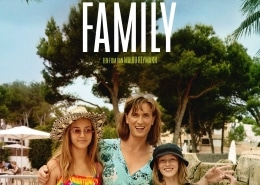 Filmposter van 'A perfect normal family'