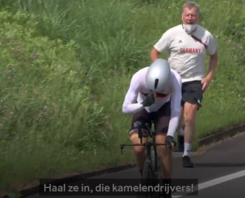 De Duitse wielercoach tijdens het racistische incident